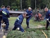 Pilota kvôli pochybeniu pracovníkov márnice pochovávali dvakrát