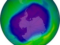 Ozónová diera nad Antarktídou
