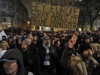 Demonštranti protestujú proti vláde Viktora Orbána