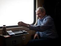 Mikuláš Dzurinda počas osobnej predvolebnej kampane s názvom Máme spoločnú cestu, počas ktorej vycestoval vlakom z Bratislavy do Koší