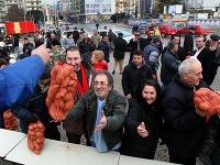 12576a70b Gréci schválili úspory v hodine dvanástej, možno sa vyhnú bankrotu!