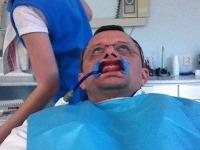 Vilo Rozboril u zubára zachytený v nelichotivej podobe.
