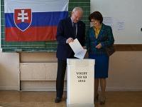 Ivan Gašparovič a jeho manželka Silvia odvolili v Spojenej škole na Metodovej 2 v Bratislave