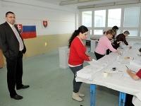 V Šoporni sa malo konať aj referendum o odvolaní starostu Vlčeka (vľavo)