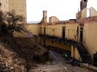 Vyhorený hrad Krásna Hôrka v roku 2012.