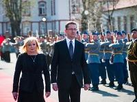 Iveta Radičová a nový minister obrany Martin Glváč