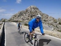 Ivan Mikloš si počas parlamentnej schôdze vyrazil na cyklotúru do Španielska.