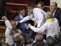 Takto sa v minulosti pobili poslanci v ukrajinskom parlamente