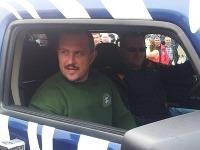 Kotleba v policajnom aute