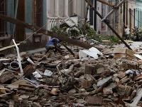Počet obetí superbúrky v USA a Kanade vzrástol na najmenej 93, pričom iba v meste New York zabila najmenej 38 ľudí