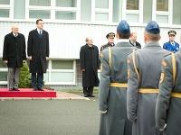 Ivan Gašparovič a Martin Glváč počas návštevy na Ministerstve obrany SR