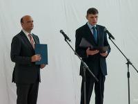 Jančula (vpravo) pri otváraní nového terminálu