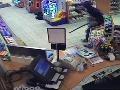 Benzínku prepadol s detskou pištoľkou, odišiel so 490 eurami