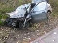 Spolujazdci skončili po havárii zranení, vodička (18) v šoku