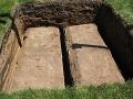 Vietnamčan spáva s pozostatkami manželky, nechce ich pochovať