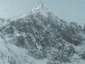 Turisti, zbytrite pozornosť: V Tatrách pretrváva lavínové nebezpečenstvo