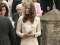 Kate Middleton na svadbe Laury Parker Bowles v roku 2006