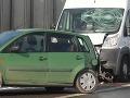 Dráma vo Švédsku: Dodávka narazila do auta, polícia hovorí o pokuse o vraždu