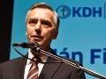 Figeľ: Vyhlásenie SaS je nezodpovedné, oslabuje premiérku