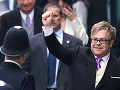 Elton John na kráľovskej svatbe