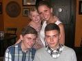 Kerry so svojimi deťmi, ktorým veľmi chýba