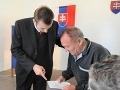 V Trstenej požiadali o voľbu poštou až zo Saudskej Arábie