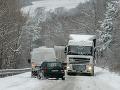 Situácia na cestách bola v posledných dňoch katastrofálna