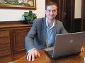Minister Krajcer bol online: