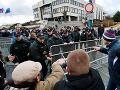 Organizátorku protestu polícia prepustila:
