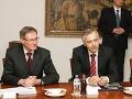 Okrúhly stôl s Ficom: Kádeháci Figeľ a Hrušovský prišli v červených kravatách!