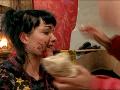 Eva Orolinova prišla na Farme k bolestivému zraneniu, keď ju do tváre kopol somár.