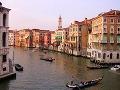 Benátky sú meter pod vodou: Zápasia s prvými záplavami sezóny