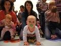 Podarené preteky: Mamičky, oteckovia, detičky, všetci liezli po štyroch!