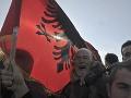 Demonštranti v Albánsku zaútočili na parlament, poslanci im chcú zobrať bývanie
