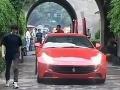 Číňania zúria: Ferrari nám poškodilo 600-ročnú pamiatku!
