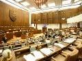 Opozičné návrhy zákonov v parlamente neprešli