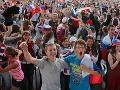 Fanúšikovia v Banskej Bystrici zaplnili Námestie slobody.