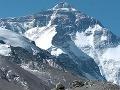 Na tretej najvyššej hore sveta (8586 m) je nezvestných päť horolezcov