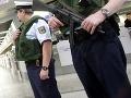 V Nemecku sa odohrala divoká prestrelka: Zranení sú dvaja policajti, postrelili neonacistu