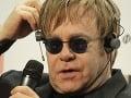 Elton John počas konferencie v Kyeve