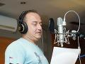 Brunno Oravec počas nahrávania svojej skladby.