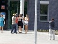Opitá Hanychová so snúbencom: Útok na fotografa!