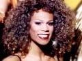 Rodina Whitney Houston je v šoku: V televízii si ju pomýlili s týmto transvestitom!