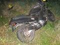 Tragédia na Záhorí: Mladý motorkár vyletel z cesty, zomrel v nemocnici