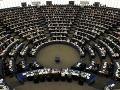 Uzatvorili budovu Európskeho parlamentu: Hrozilo poslancom nebezpečie?