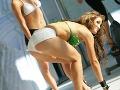 Sexi Nikola Weiterová ukazuje svoje krivky.