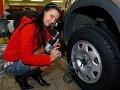 Motoristi pozor na zimné pneumatiky: Od novembra platí novinka z Bruselu!