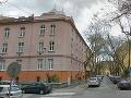 Smrteľný úraz v Bratislave: Robotník (†42) spadol z tretieho poschodia priamo na cestu!