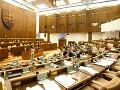 Parlament schválil rozpočet na budúci rok: Verejný dlh klesne, deficit má dosiahnuť 0,49% HDP