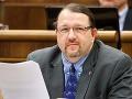 Mediálny výbor nechce Škripekov zákon o nahote, KDH len so zmenami